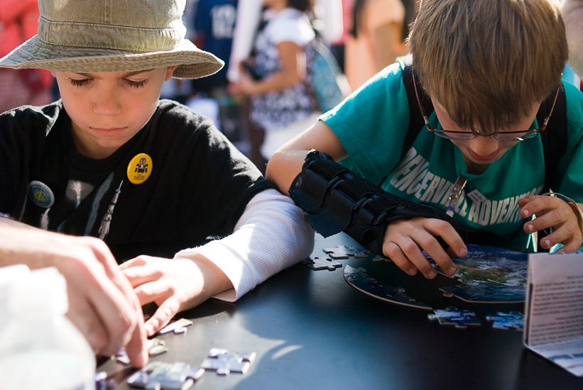 solving puzzles - DC event photographer