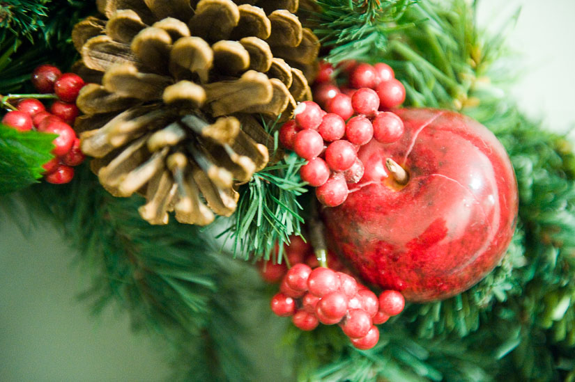 wreath detail from the hallway