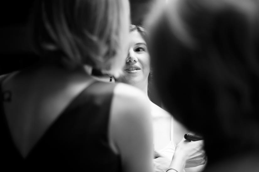bride getting ready in monkton, maryland