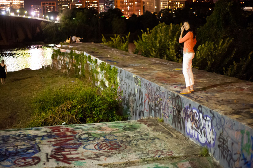 wedding photographer with graffiti