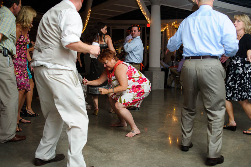 dance party at eastern shore wedding