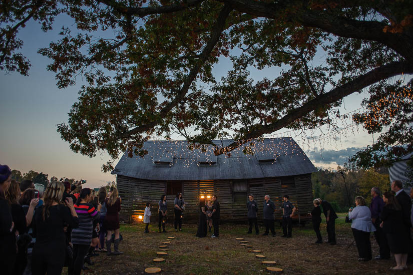 funky-barn-wedding-in-maryland-2